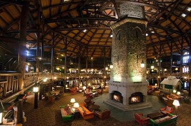 a-fairmount-le-chateau-montebello-lobby1